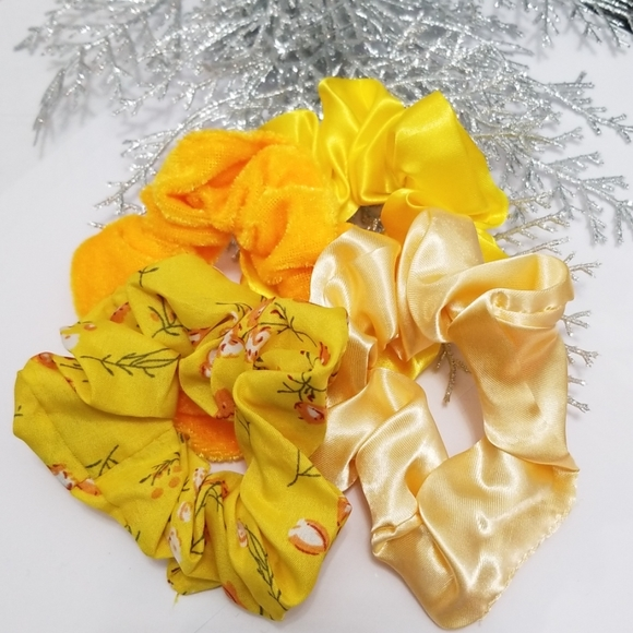 NEW 3/$20 Set of 4 Hair Scrunchies